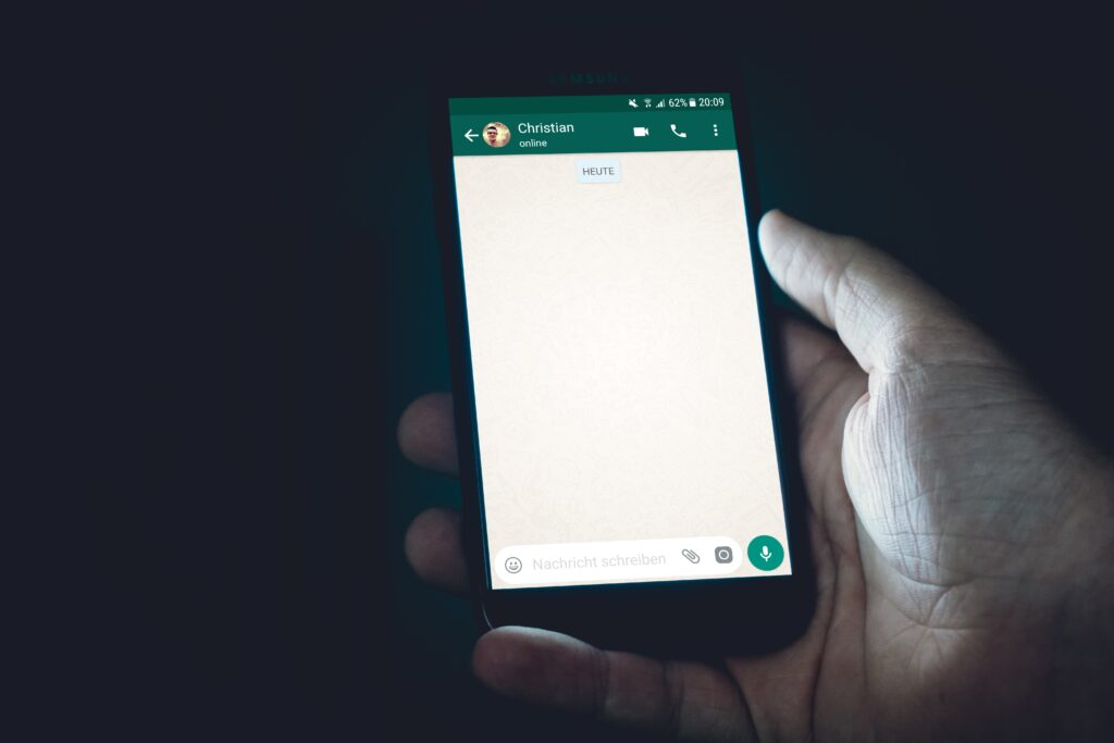 Greeting message WhatsApp (4 examples to delight your customers) 2